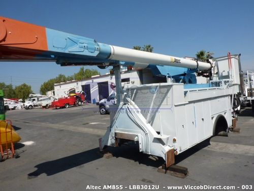 Lift Boom Altec AM855 60 ft (Used) | Two Buckets