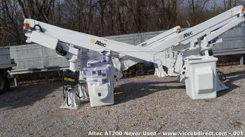 Lift Altec AT200 36 ft (Never Used)